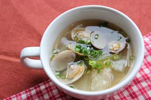 アサリと白菜のトマト塩糀スープ