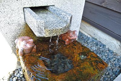 日本三名山、白山の伏流水を使用
